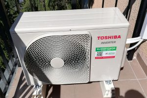 Toshiba Inverter model RAS-16J2AVG-E (1)